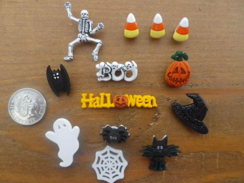 SPOOKTACULAR , Halloween Novelty Craft Buttons