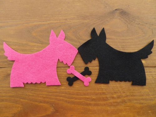 2 Felt Scotty/Westie dogs.