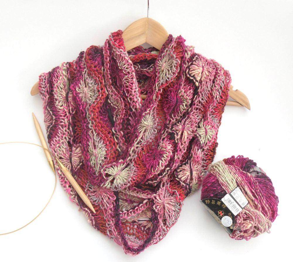 Pattern for feminine flowery silk infinity scarf