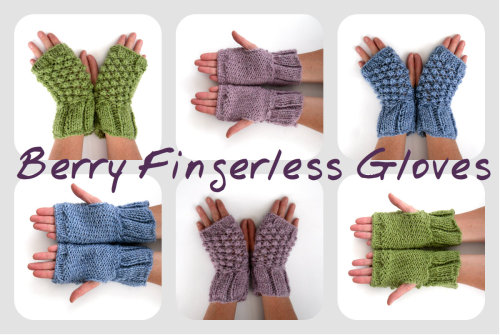 Hand knitted textual mitts in alpaca / acrylic yarn