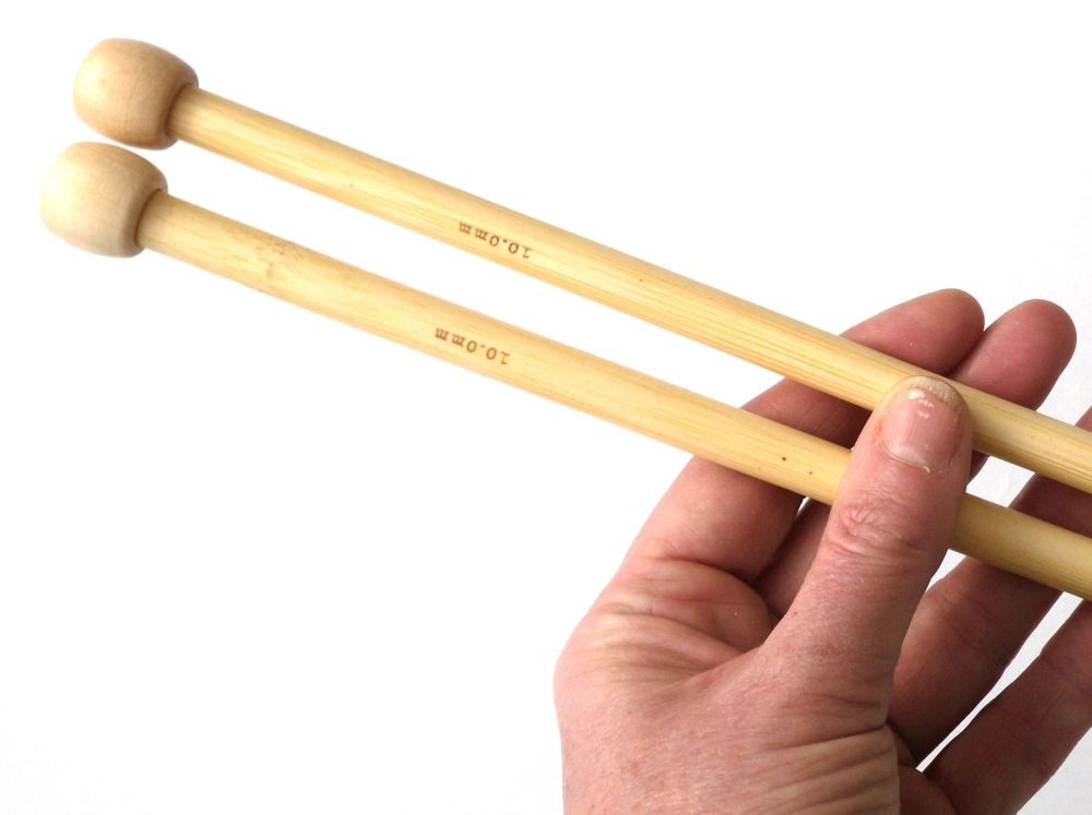 9 & 10mm bamboo knitting needles 35 cm long