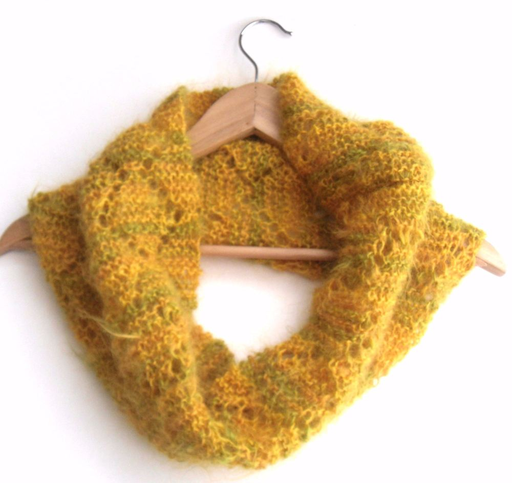 Yellow / Green Lace Mohair cowl