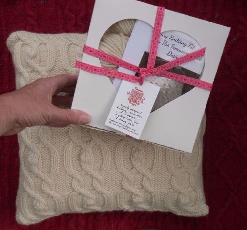 Natural Cushion Pillow knitting kit