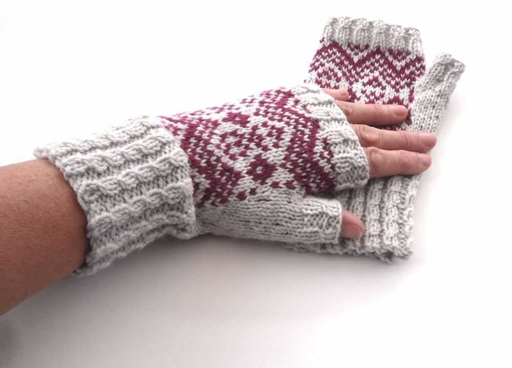 Grey / Red 100% wool Fingerless gloves