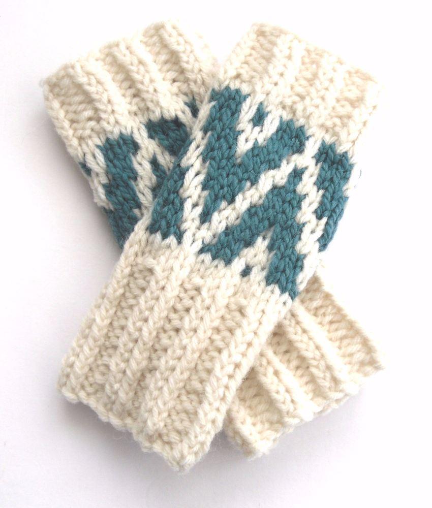 White/ Green chunky fingerless gloves