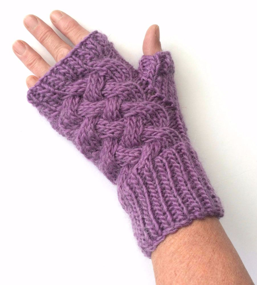 Lilac cable wool fingerless gloves