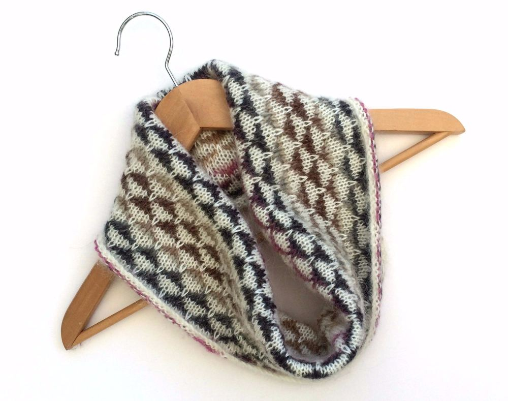 Cream patterned mohair cowl