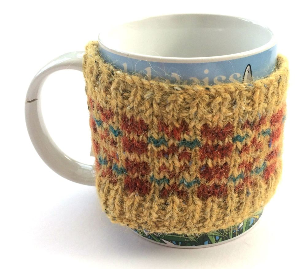 Fair isle Mug cozy in Yellow