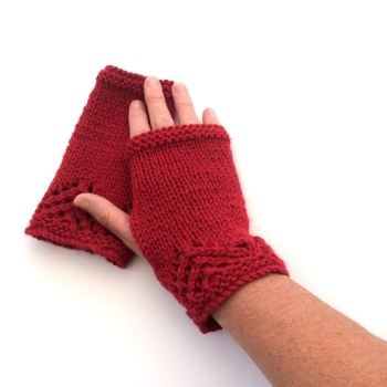 Red lace fingerless gloves