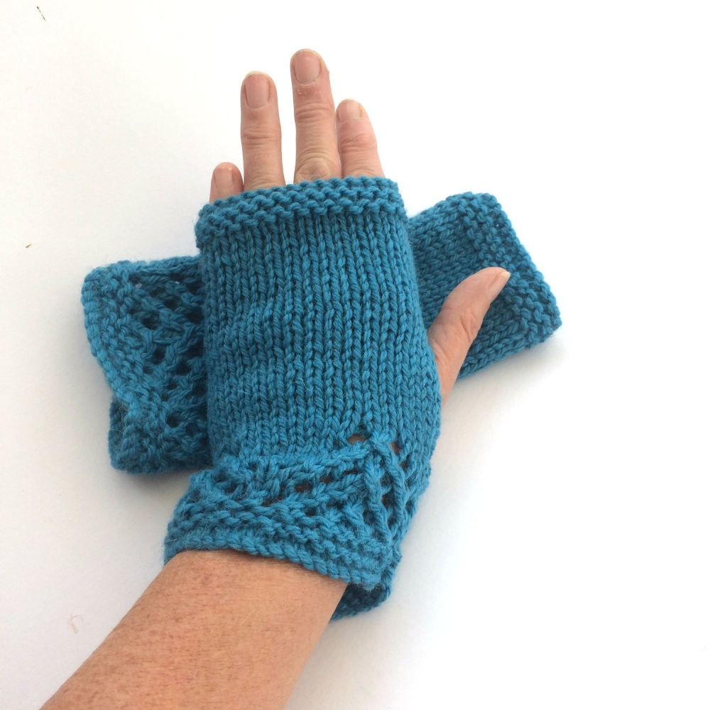 Blue lace fingerless gloves