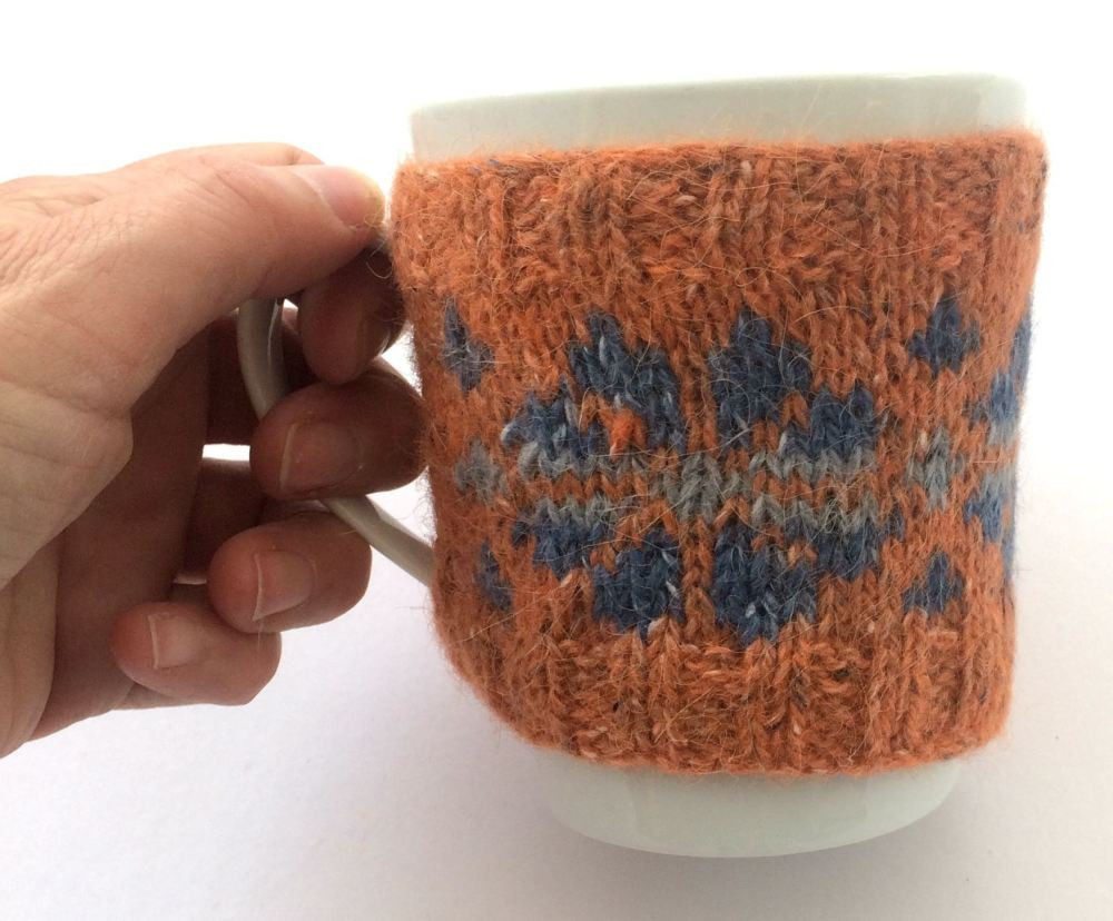 Orange flower mug hug