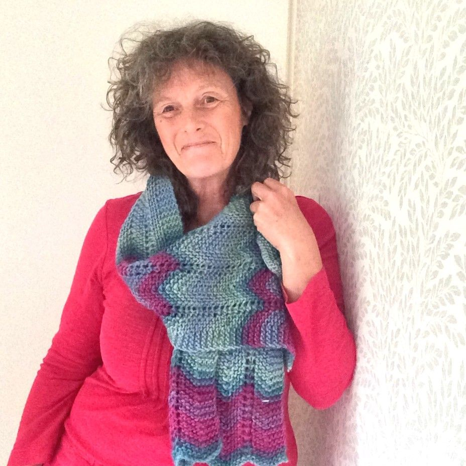 Blue / Pink Striped Zig Zag Scarf