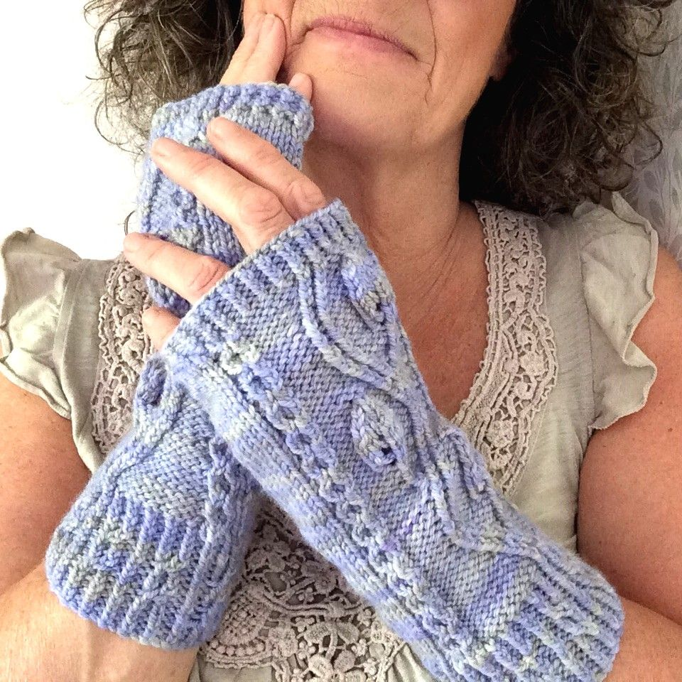 Pinnate Cable Gloves Pattern