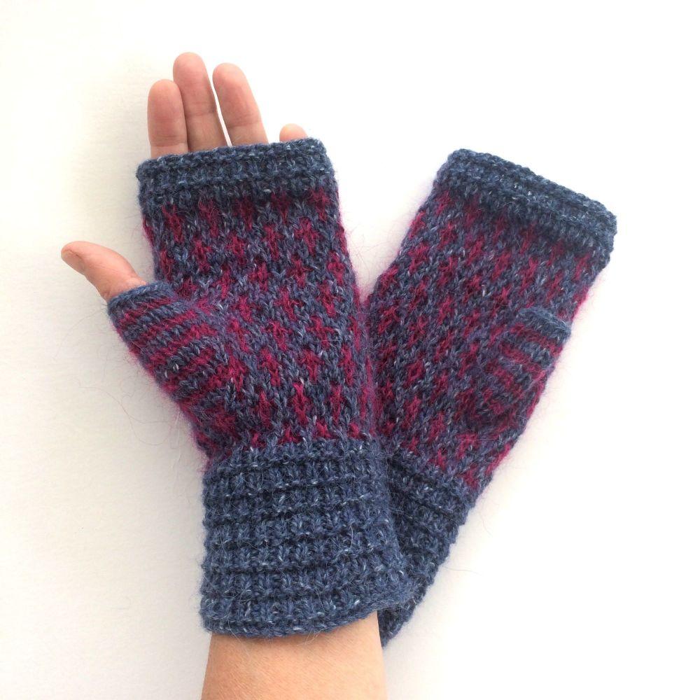 Blue & Maroon pattern fingerless gloves