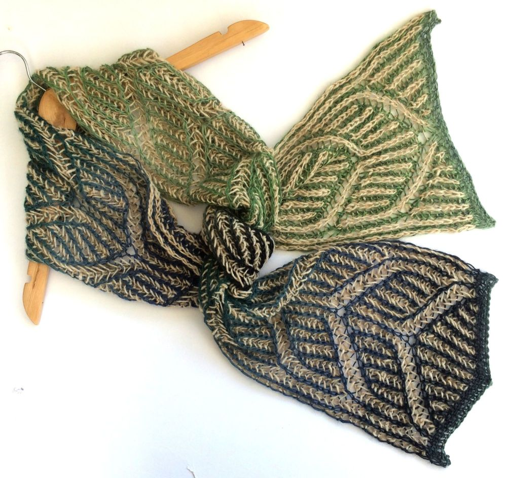 Brioche Reversible Blue / Green scarf