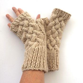 Cream cable wool fingerless gloves