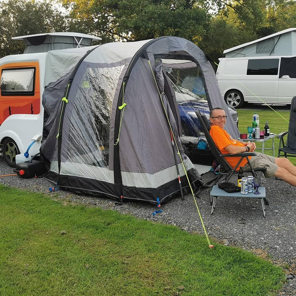Chilli Pod Go Pod Photo of Awning and Small Caravan