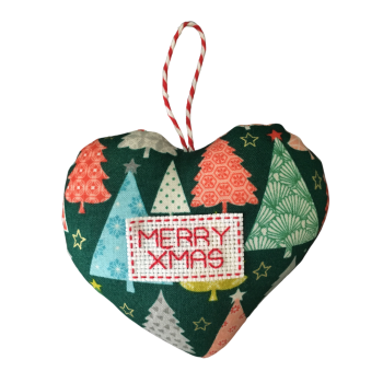MERRY XMAS heart decoration.