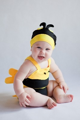 Wonderful Buzzy Bee Swimsuit / Swimming Costume Set with Hat by Noo