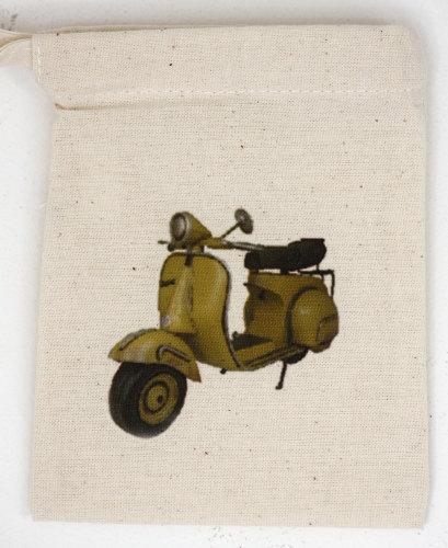 Vespa Scooter (1)