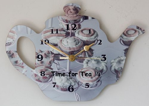 Tea Pot Clock - Cup Cakes