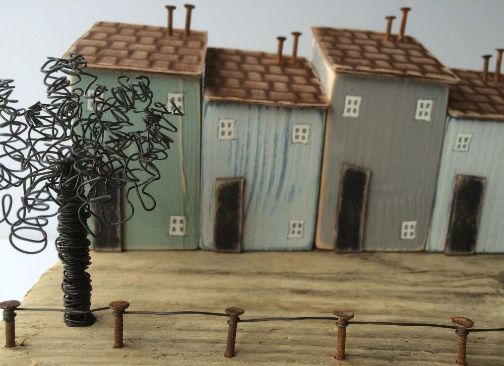 Driftwood art driftwood houses little houses recycled for Unusual home decor uk