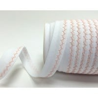 White and baby pink zigzag stitched bias binding