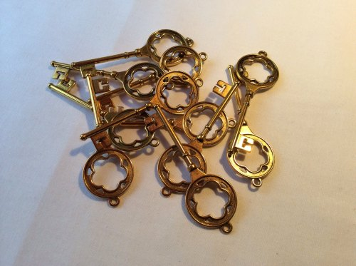 Shiny gold key