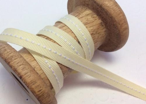 Vanilla center stitch