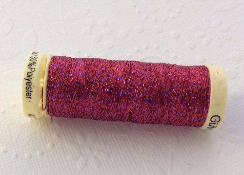 Gutterman rouge glittered thread