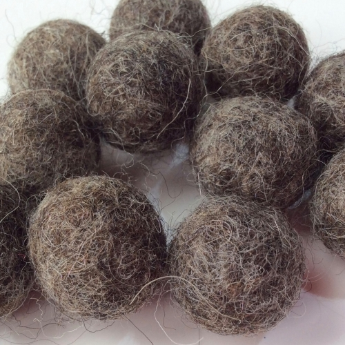 Birds nest brown 2cm felt ball