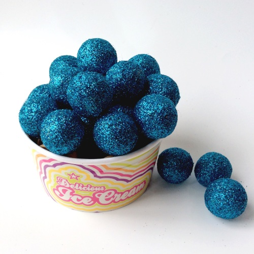 KINGFISHER glitter felt ball