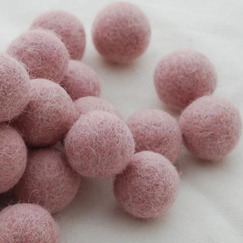 ORCHID ROSE - 2cm felt balls
