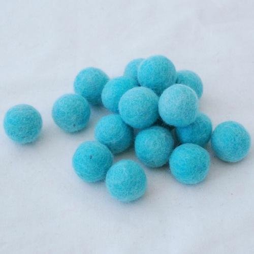 PALE TURQUOISE 2cm Felt Balls