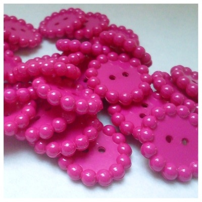 Hot pink Bubble edge