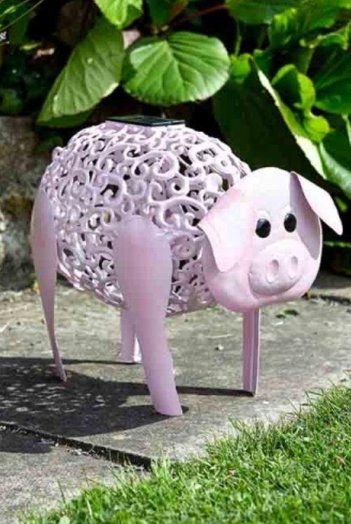 SOLAR DELILAH PIG