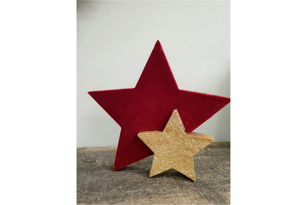 STAR RED ORNAMENT