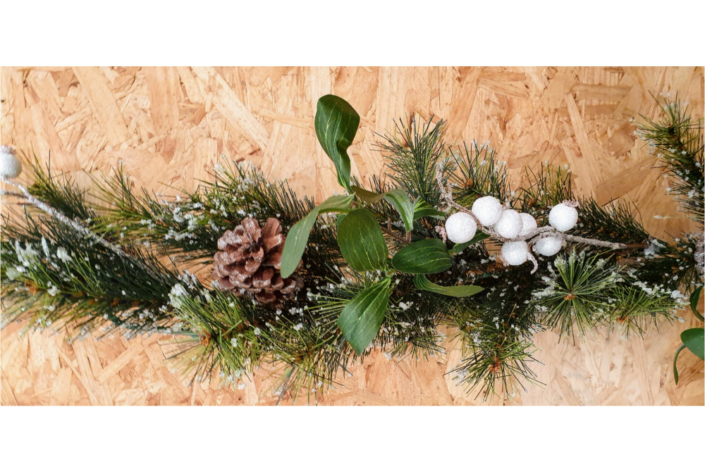 CONE BERRY MISTLETOE FROSTED PINE GARLAND