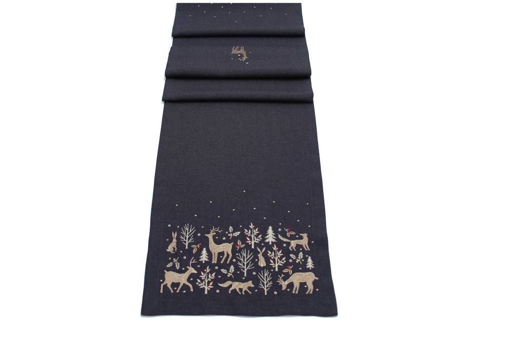 WOODLAND WAY TABLE RUNNER