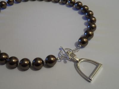 <!--001-->Swarovski Stirrup Necklace