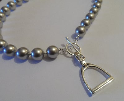 <!--002-->Swarovski Light Grey Stirrup Necklace