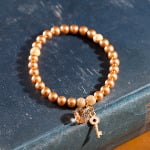 <!--006-->Golden Godiva Bracelet