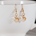 <!--008-->Golden Shadow Sweet Heart Earrings (Gold)