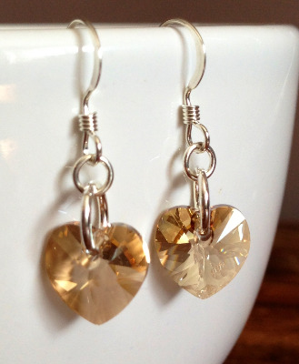 <!--004-->Golden Shadow Sweet Heart Earrings