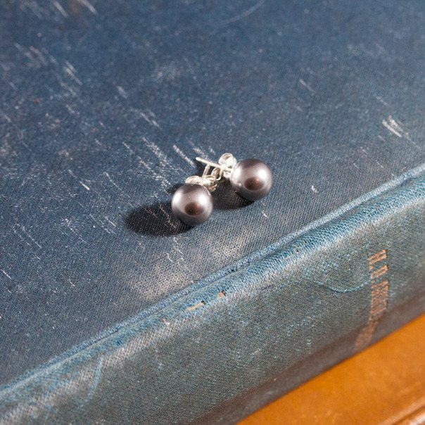 swarovski dark grey crystal pearl earrings