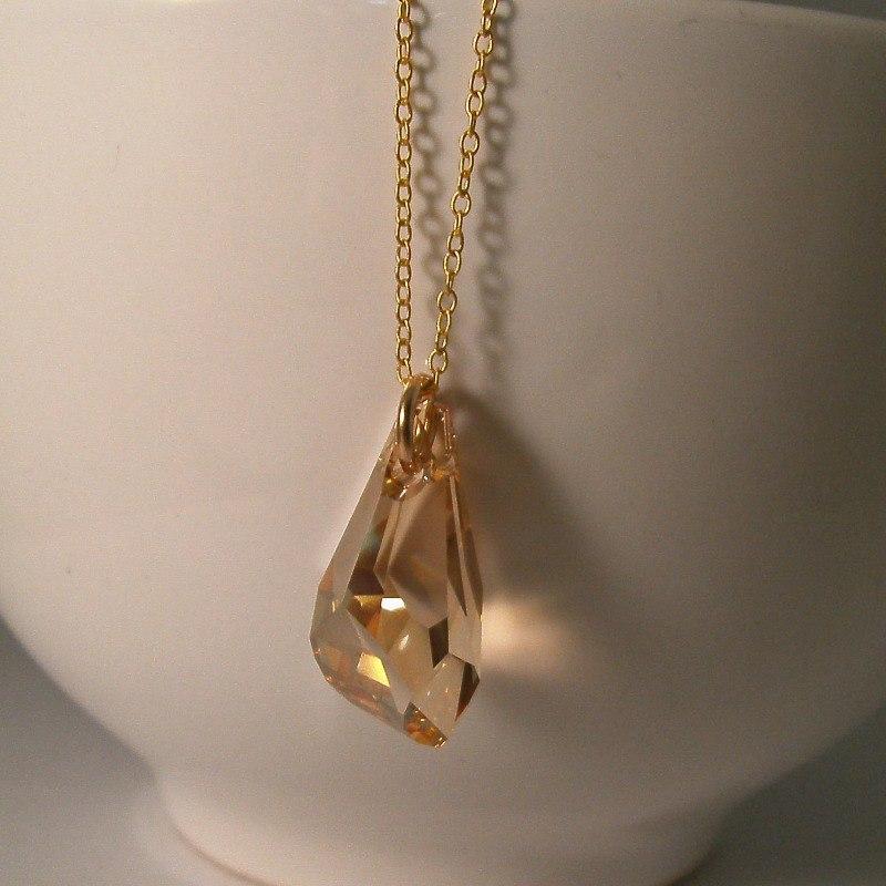 gold drop necklace