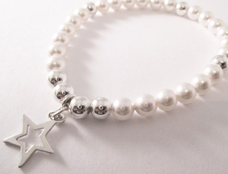 <!--013-->Swarovski Silver & White Star Bracelet