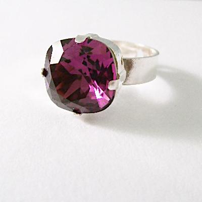 Swarovski Sparkle Ring Amethyst