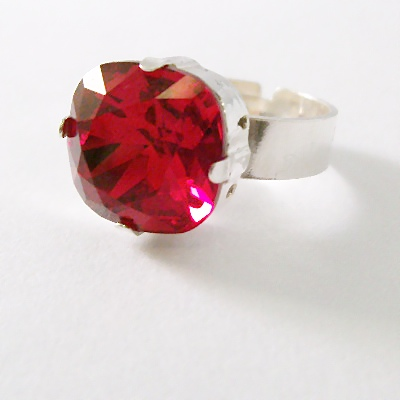 Swarovski SParkle Ring Siam Red