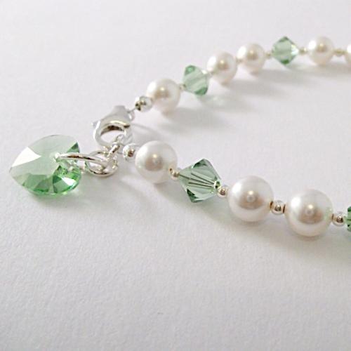 <!--016-->Crystal Months Bracelet (August)